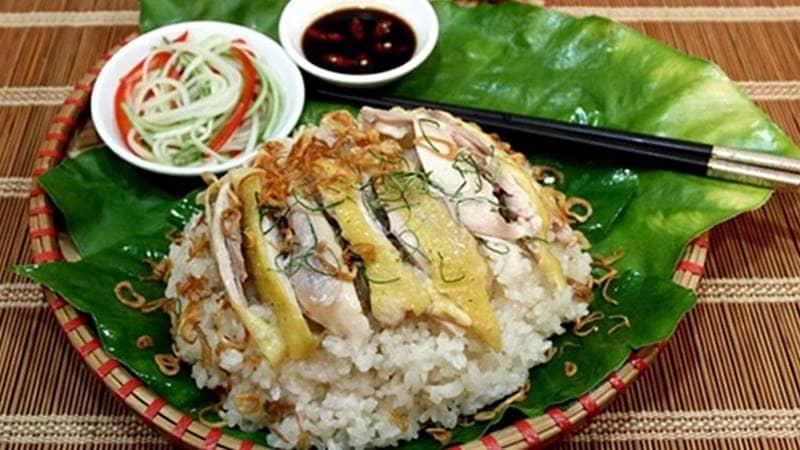 Xôi gà: Món ngon ăn trưa ở Đà Lạt chất lượng với giá cả bình dân