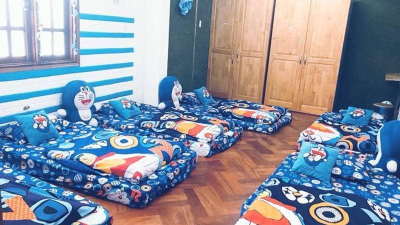 Phòng tập thể của Doremon homestay