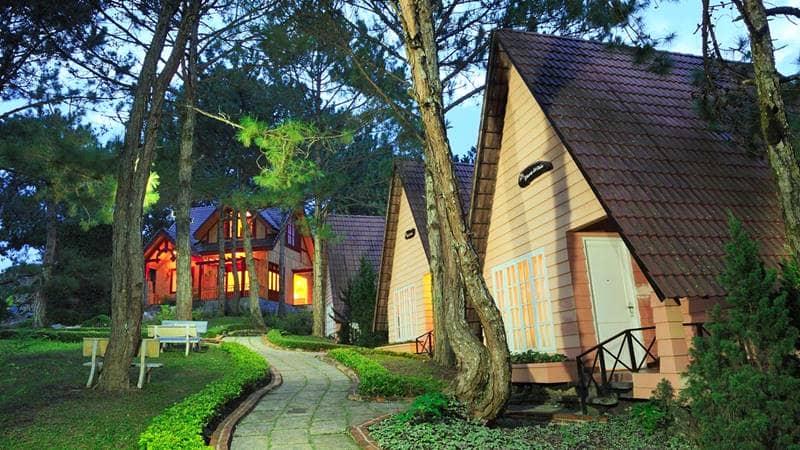 Mộng Mơ Resort sở hữu không gian thơ mộng với những căn bungalow như cổ tích. Nguồn: Internet