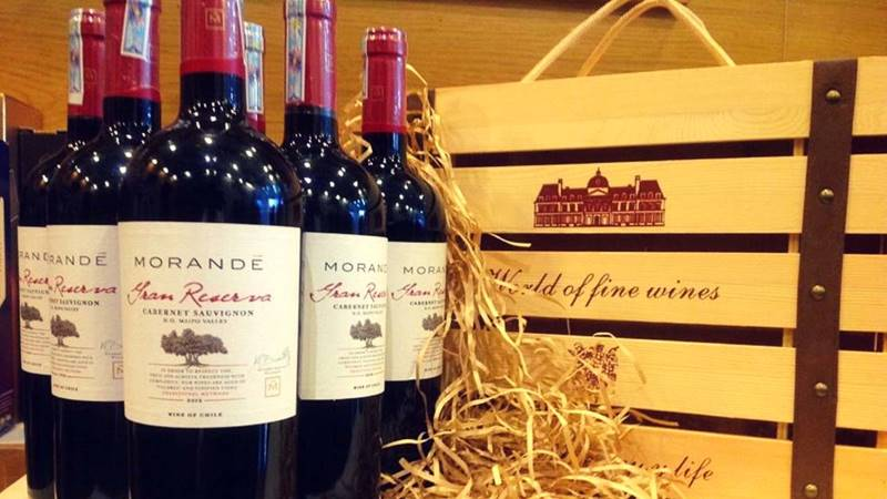 Shop rượu ngoạisở hữu hàng trăm các sản phẩm rượu ngoại cao cấp chính hãng