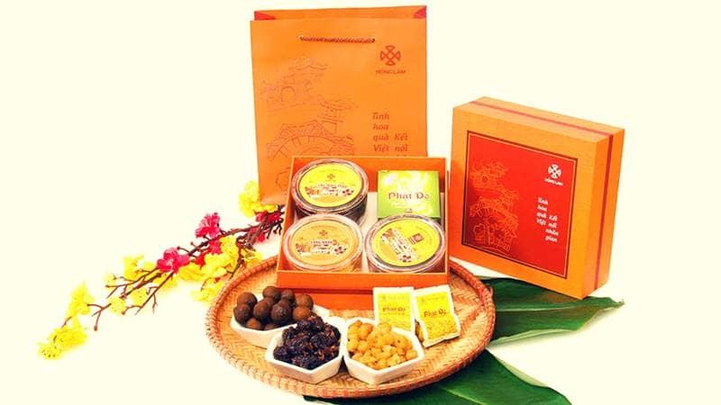 Mỗi phần quà của Hồng Lam đều hướng đến một đối tượng cụ thể giúp bạn dễ dàng lựa chọn khi đi tặng tết