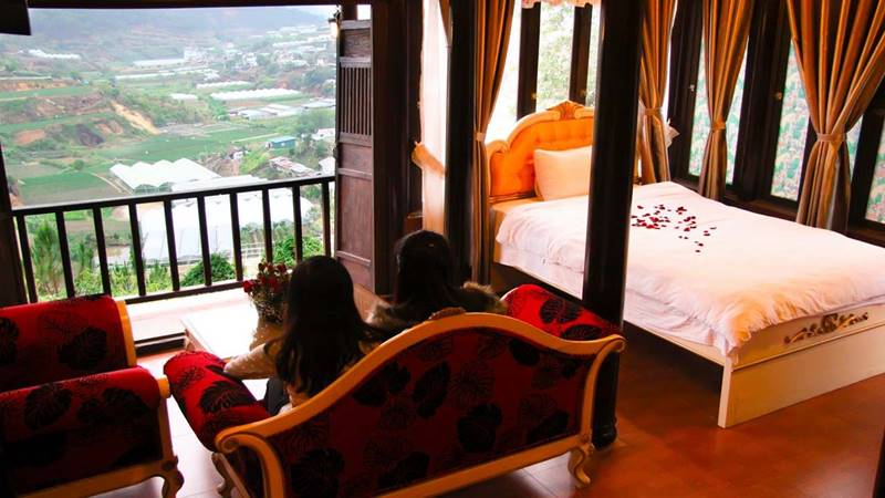 View ra phía thành phố từ phòng nghỉ ở Osaka Village Resort Đà Lạt giá rẻ. Nguồn: Internet
