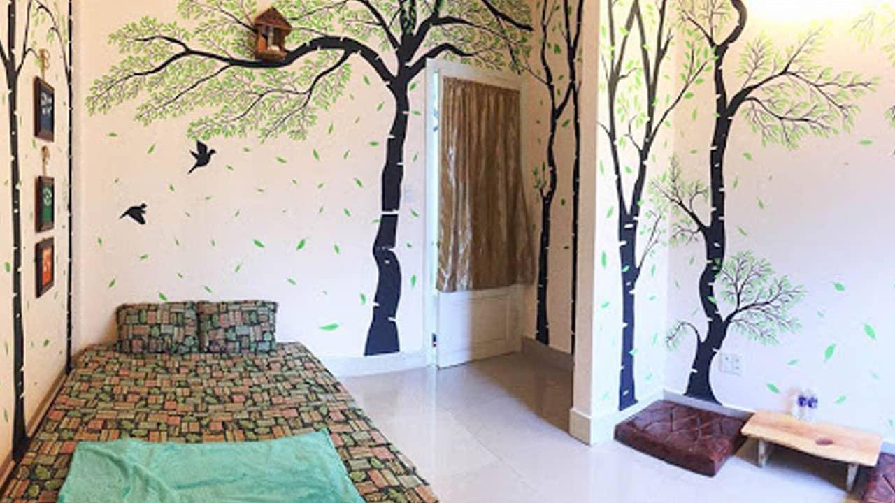 Căn phòng được trang trí vô cùng sinh động