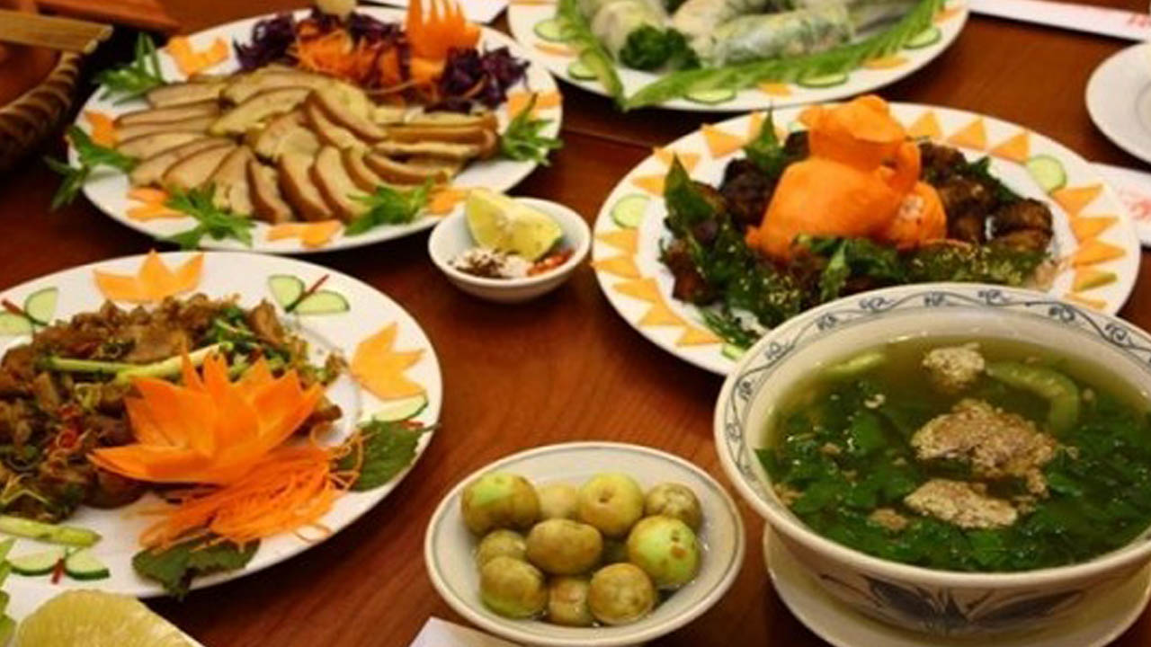 Các món ăn tại nhà hàng cơm niêu Việt Nam trông ngon mắt - ngon miệng. Nguồn: Internet