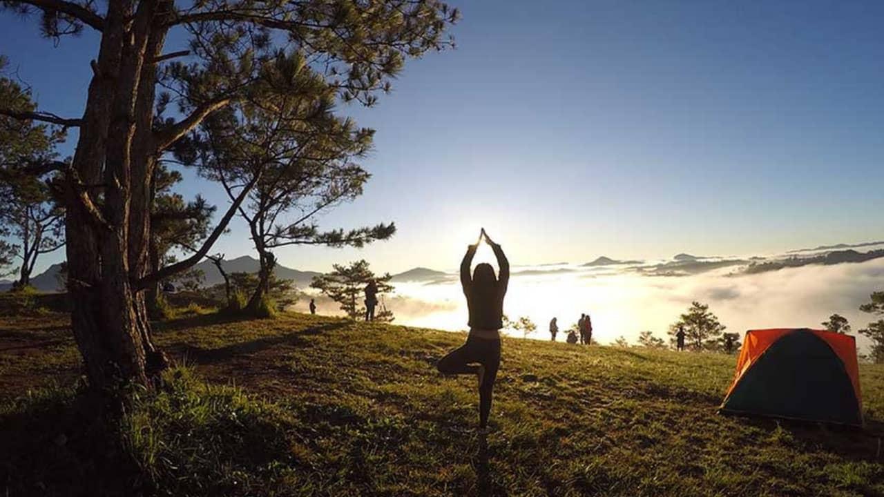 Tận hưởng bình minh tuyệt đẹp tại khu cắm trại Hòn Bồ