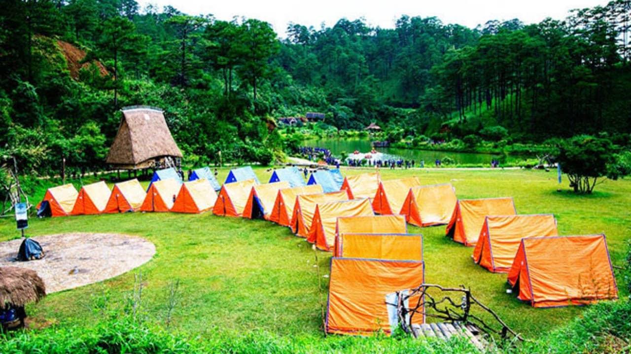 Làng Cù Lần là một địa điểm cắm trại tổ chức teambuiding tuyệt vời