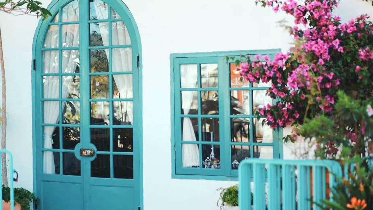 Ô cửa xanh thơ mộng của nhà Lacasa