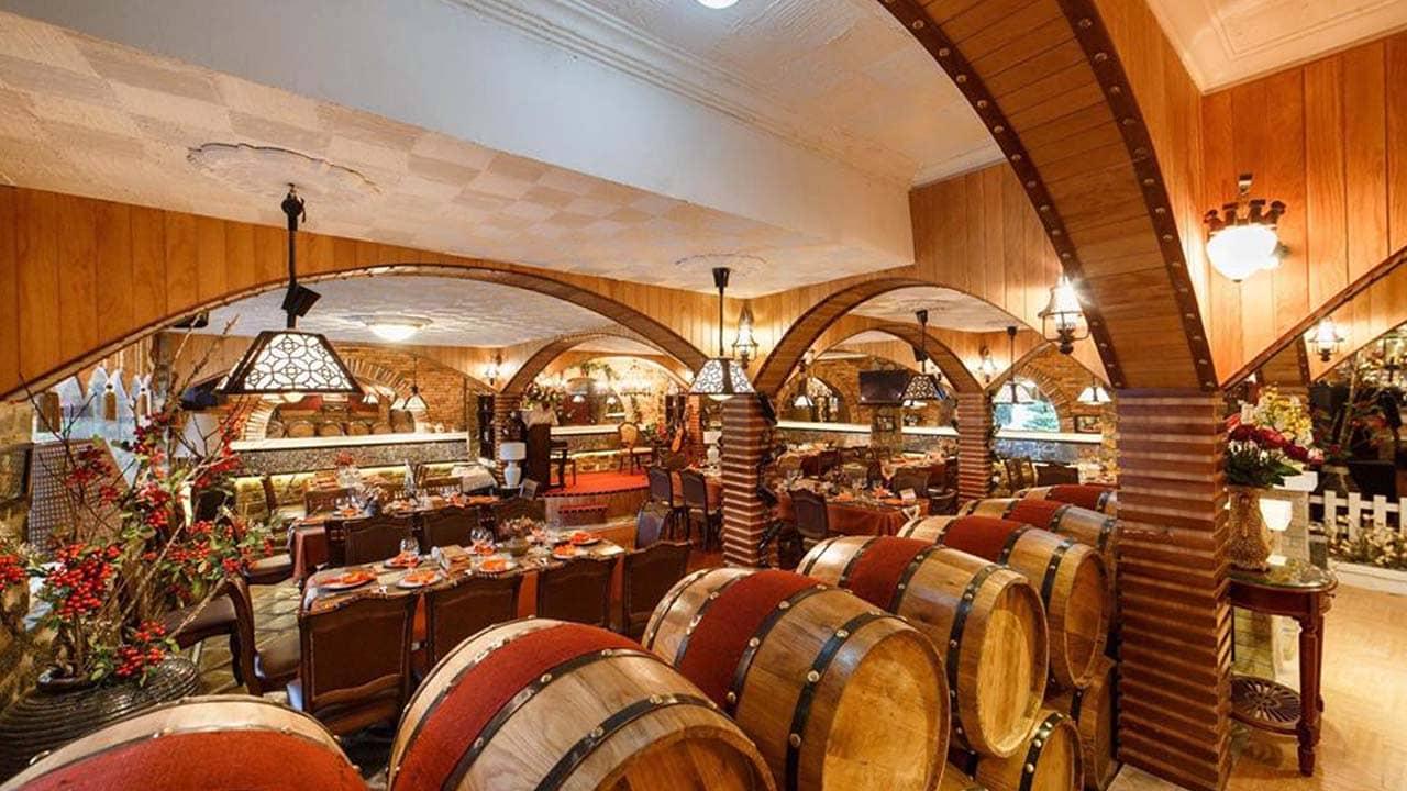Hầm rượu vang Đà Lạt sẽ đem đến cho du khách các loại rượu vang từ bình dân đến thượng hạng