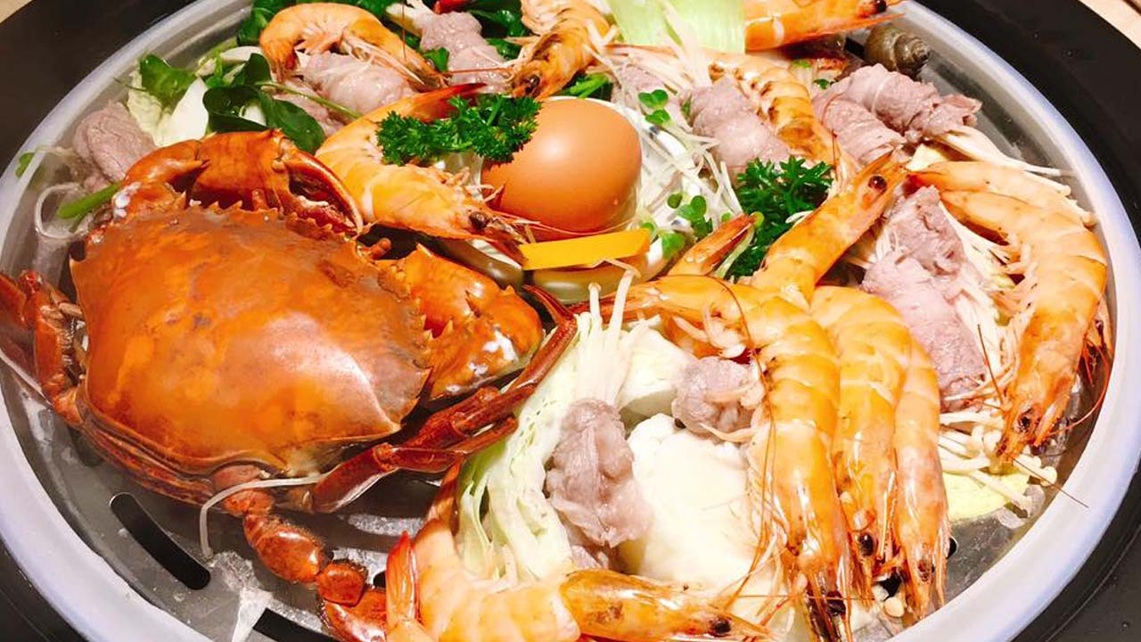 Hải sản được làm chín bằng hơi, giữ nguyên được hương vị biển