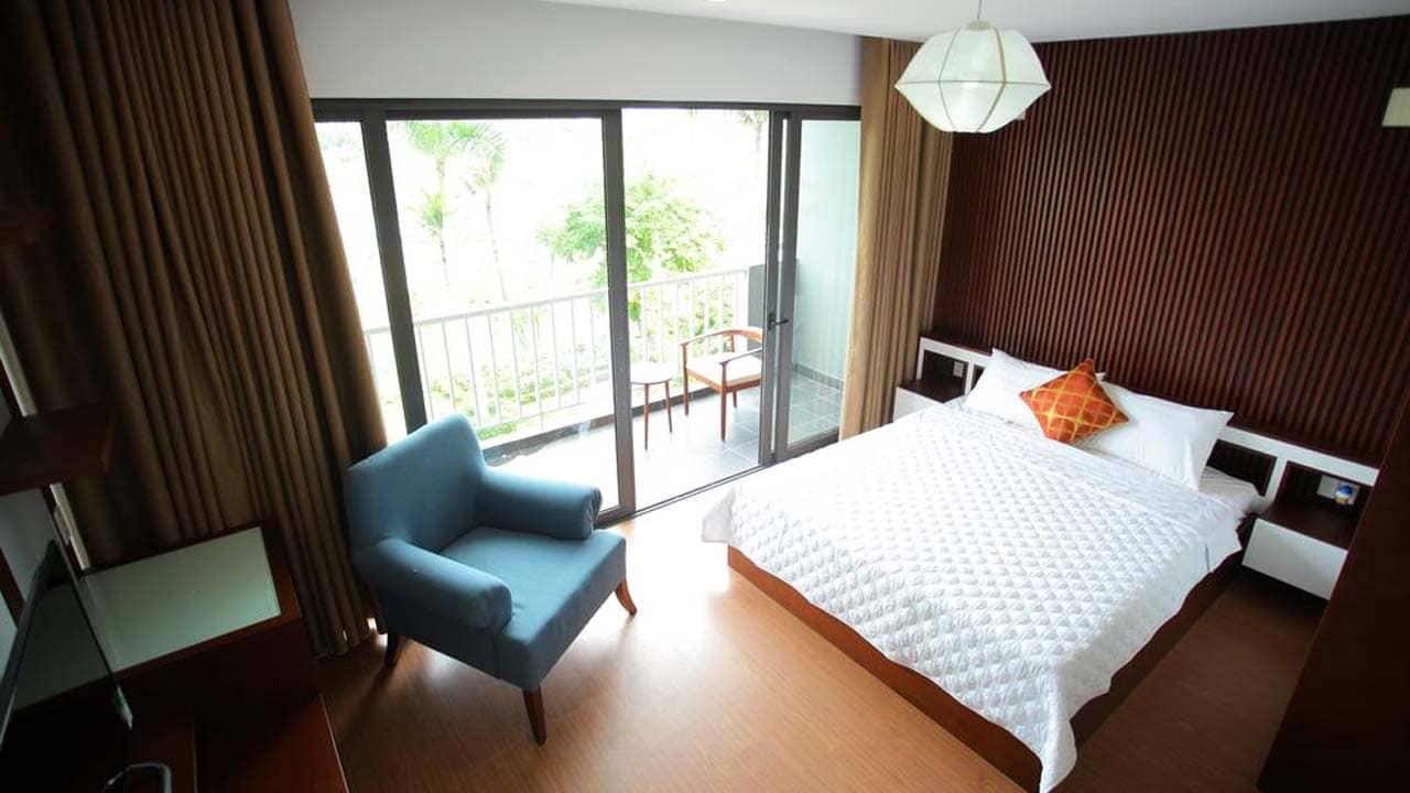 Phòng ngủ đôi rộng rãi của Sunshine Villa Hạ Long. Nguồn: Internet