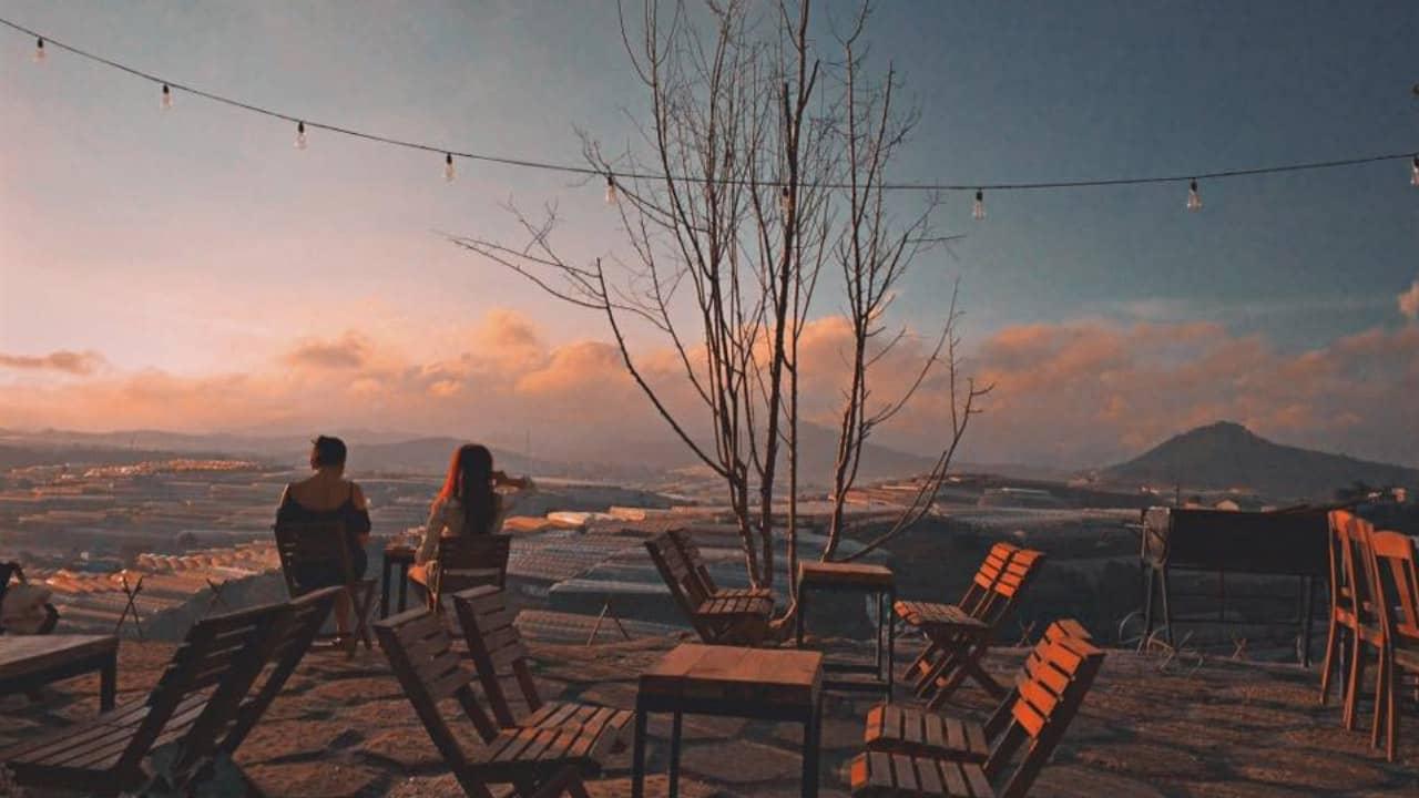 Hải Ả là một trong các quán cafe đẹp ở Đà Lạt có view nhìn cực chất