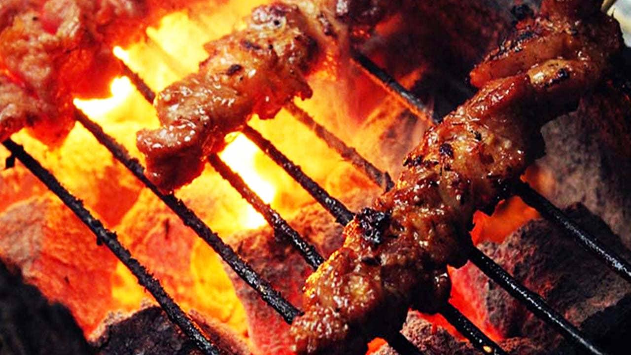 Món thịt nướng nghi ngút khói trong lễ hội cồng chiêng. Nguồn: Internet