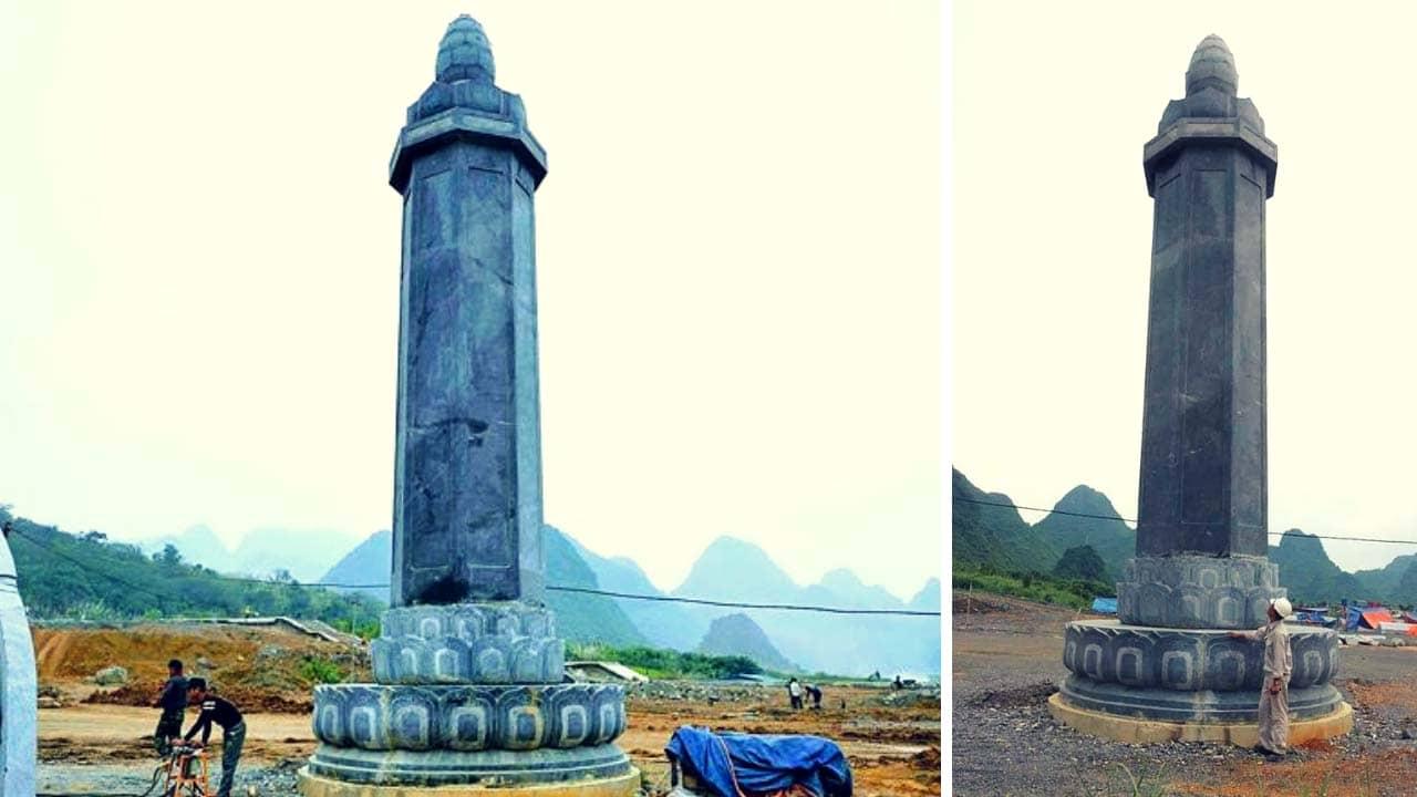 Những cột kinh đang được dựng tại chùa Tam Chúc