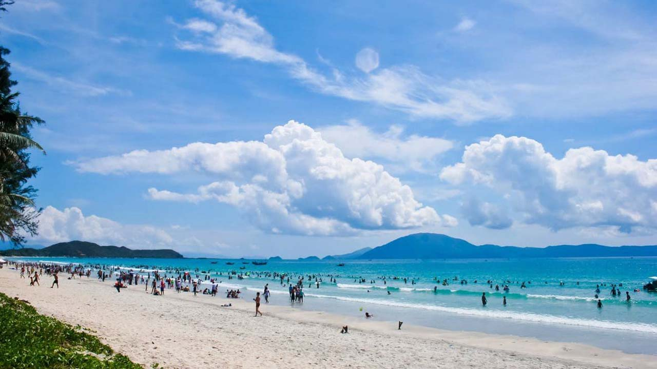 Biển Nha Trang tháng 3 trong xanh, ít mưa. Nguồn: Internet