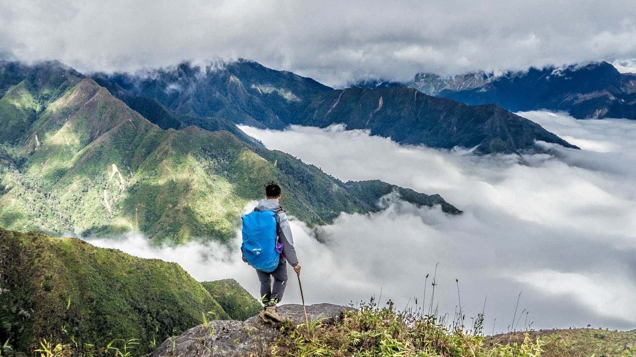 Chinh phục đường đèo và săn mây ở Tà Xùa. Nguồn: Internet