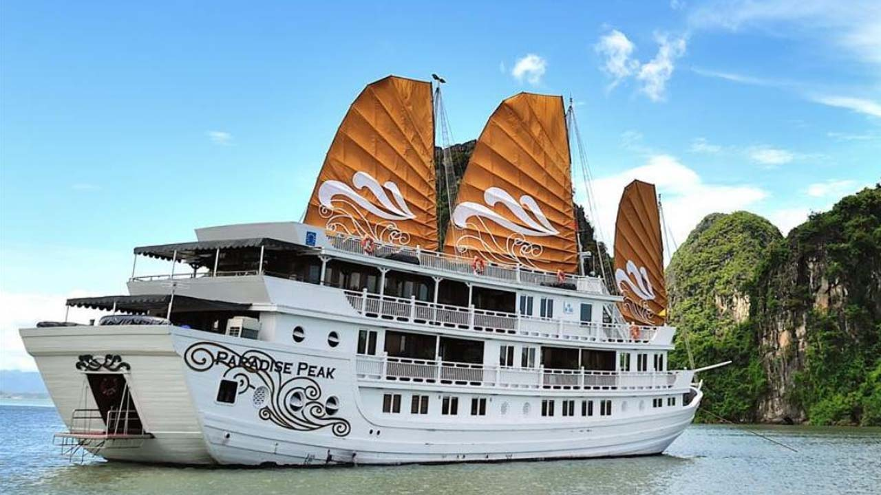 Du thuyền Paradise Peak cho những chuyến đi thân mật, riêng tư. Nguồn: Internet