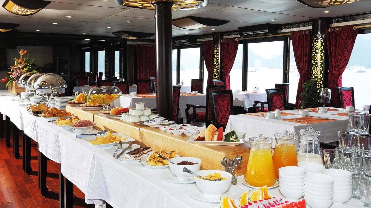 Nhà hàng trên du thuyền. Nguồn: Internet