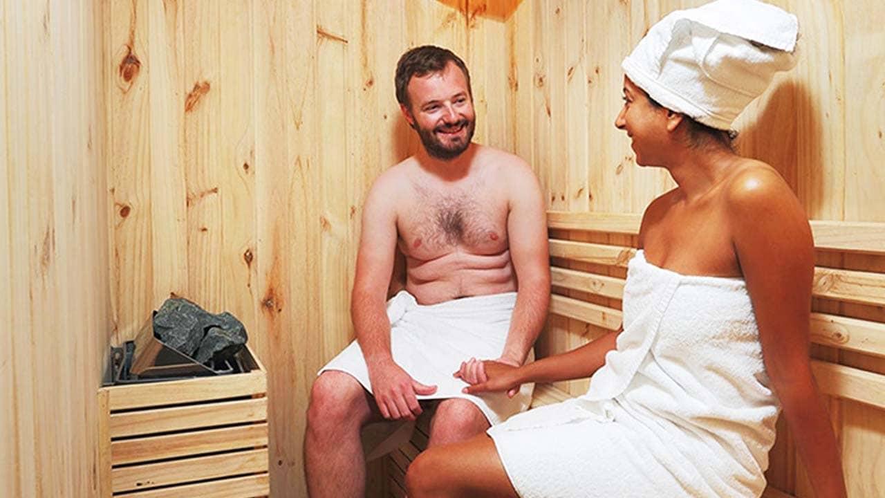 Du khách sử dụng phòng tắm xông hơi trên du thuyền Star Light. Nguồn: Internet