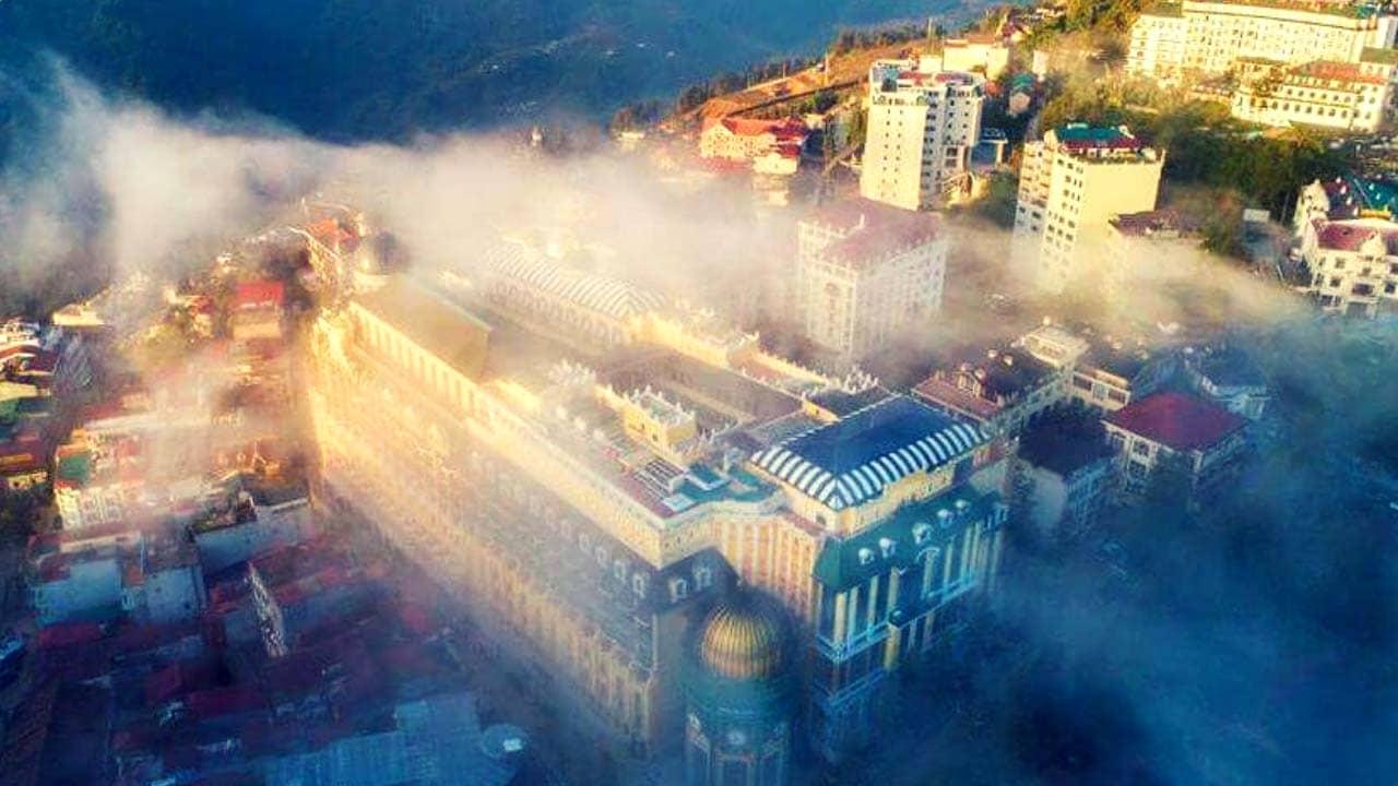 """Hotel De La Coupole Sapa được đặt ở vị trí """"vàng"""" của thị trấn Sapa"""