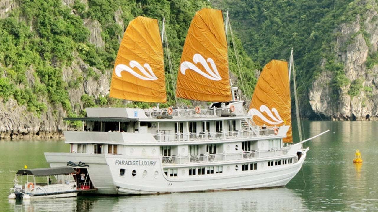 Du thuyền Paradise có thiết kế thuyền buồm gỗ nhẹ nhàng, tinh tế. Nguồn: Internet