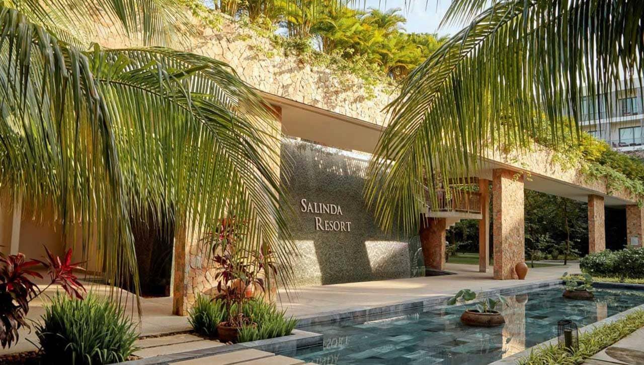 ahalong.com Salinda resort ẩn mình dưới những rặng cây và hàng dừa xanh