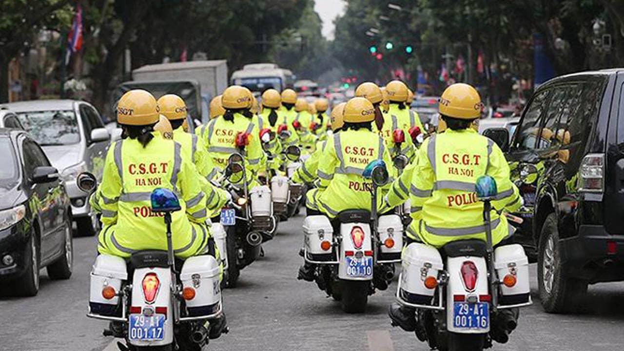 CA Hà Nội kiểm soát các tuyến phố