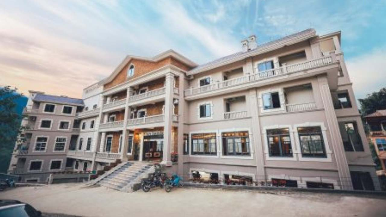Khách sạn Charm Sapa nằm ở số 32 Mường Hoa