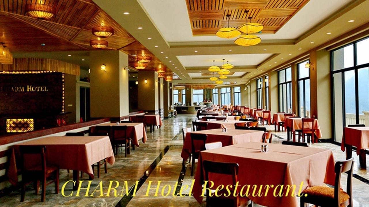 Nhà hàng tầng 9 view trọn Sapa lãng mạn