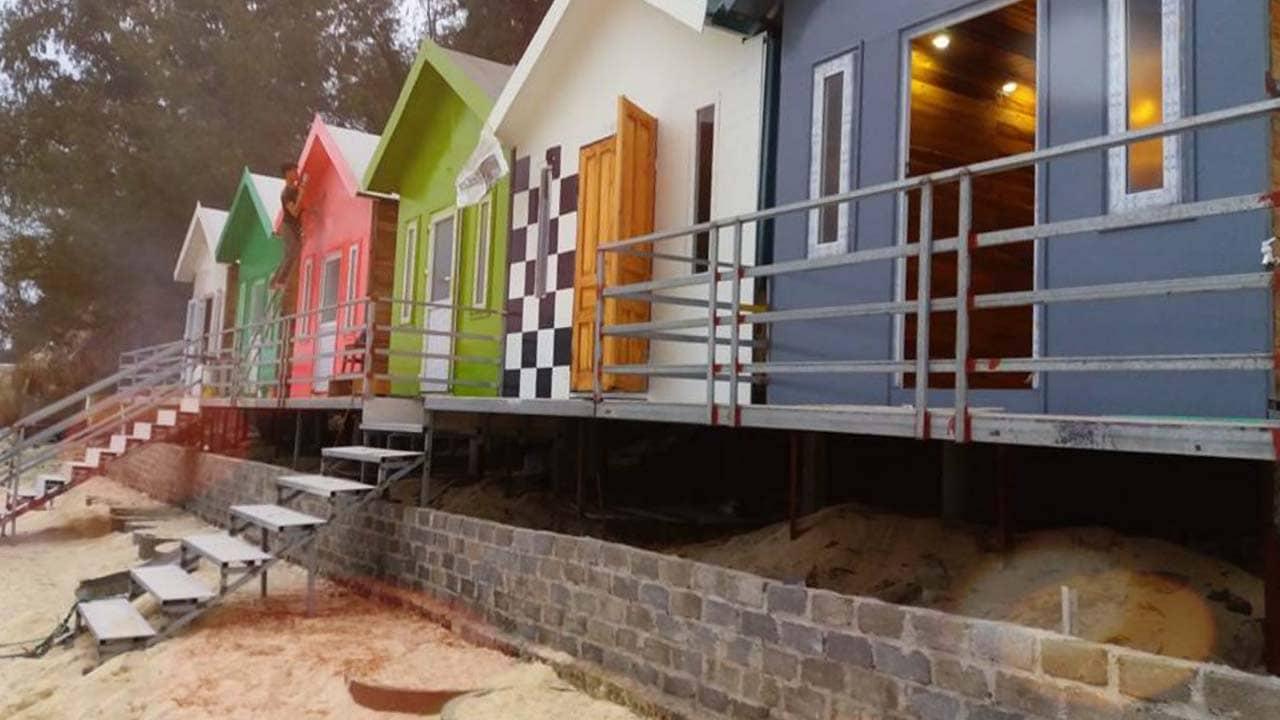 Những căn nhà đủ loại màu sắc tại homestay Cô Tô Thủy Thịnh. Nguồn: Internet