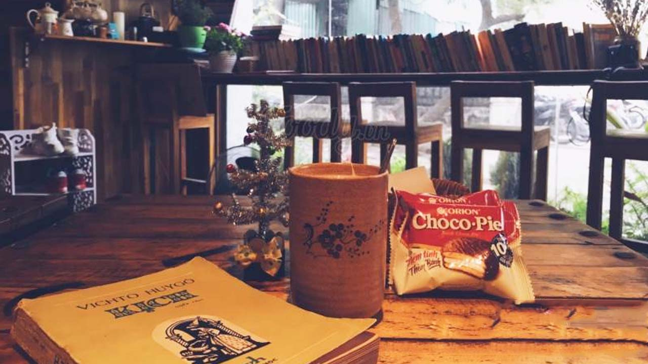 A small reading corner at Book Coffee Shop cafe.  Source: Internet