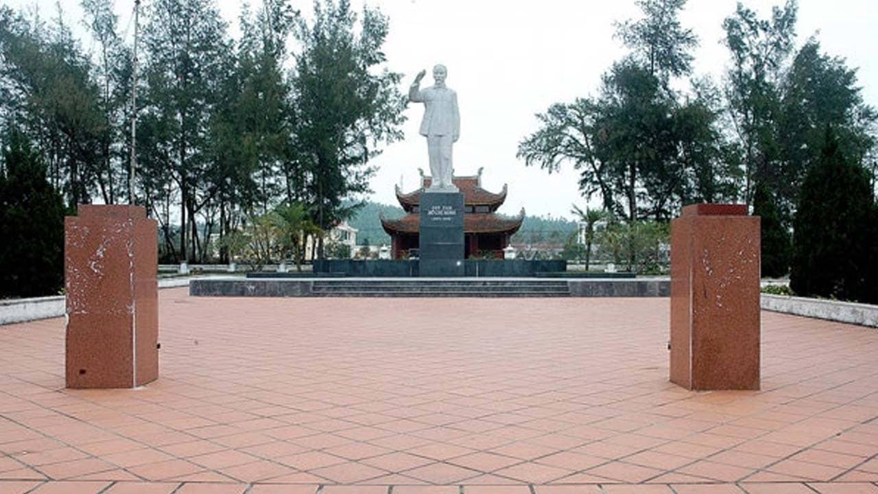 Khu di tích Hồ Chí Minh - Điểm đến khi đi du lịch CÔ Tô 2 ngày 1 đêm. Nguồn: Internet