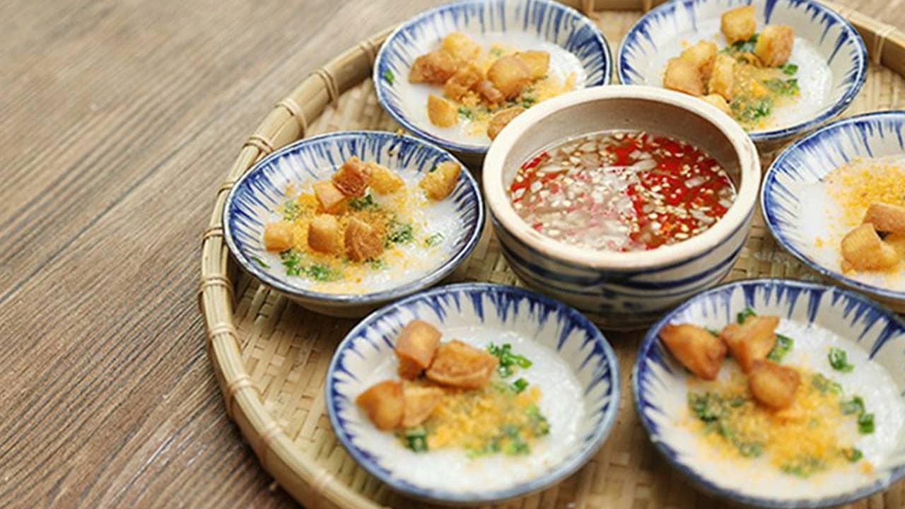 Bánh Bèo chén là một món ăn dân dã, bình dị của người dân xứ Huế
