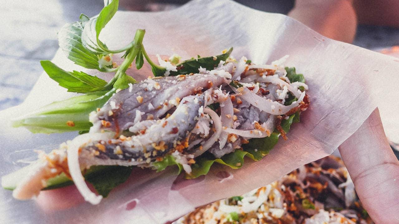 Gỏi cá trích là món gỏi số một ở Phú Quốc  ahalong.com