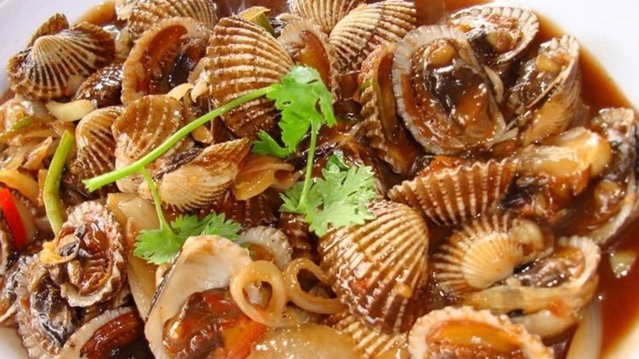 Sò huyết đầm Ô Loan có thịt dày, nhiều huyết, ngon ngọt và rất đậm đà
