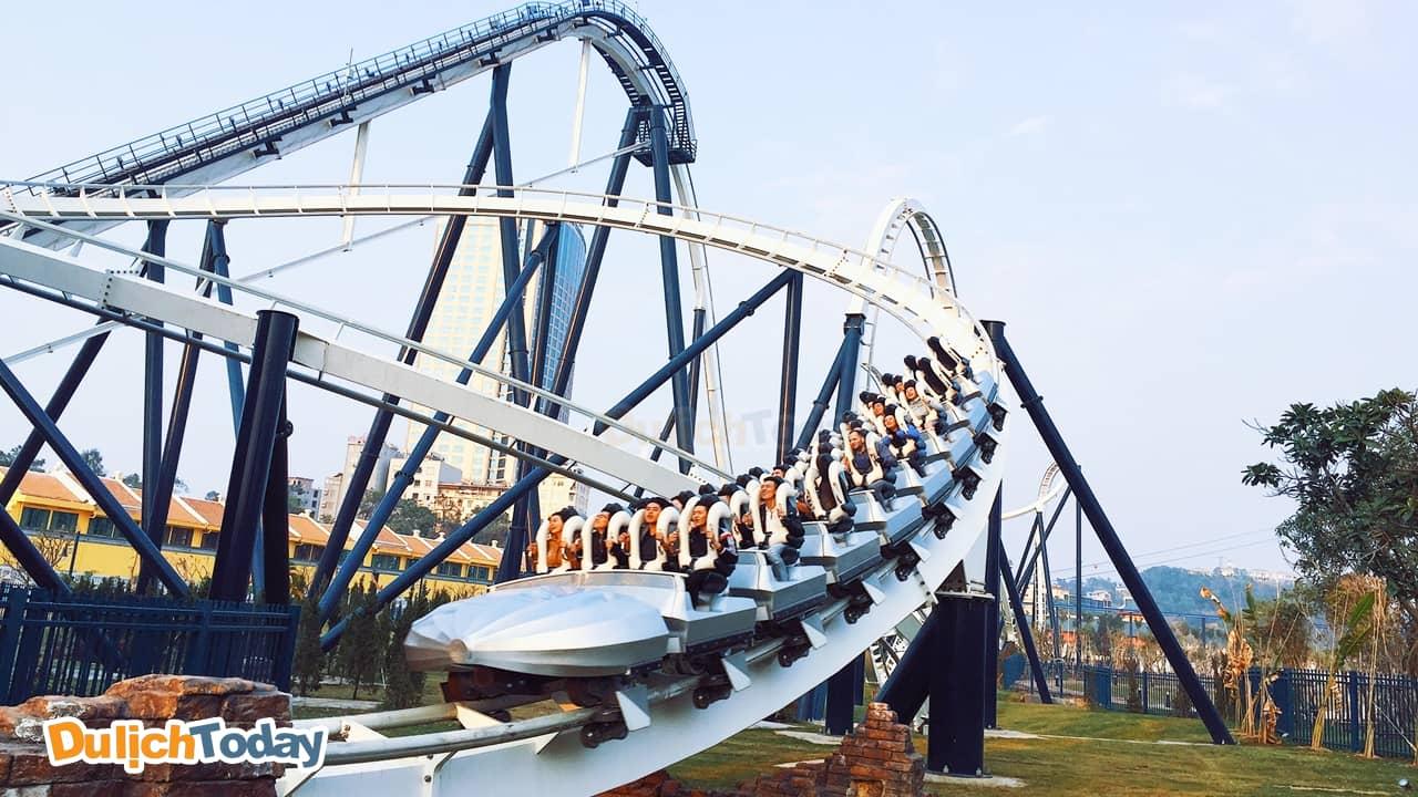 Phi Long thần tốc - trò chơi ấn tượng nhất trong công viên Dragon Park