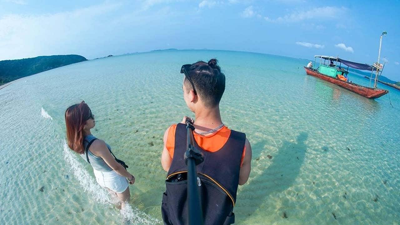 Du lịch Cô Tô con với hoạt động lặn biển ngắm san hô nhờ làn nước trong vắt tại đây. Nguồn: Internet