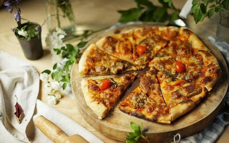 Pizza ở Émai là một trong những món được yêu thích