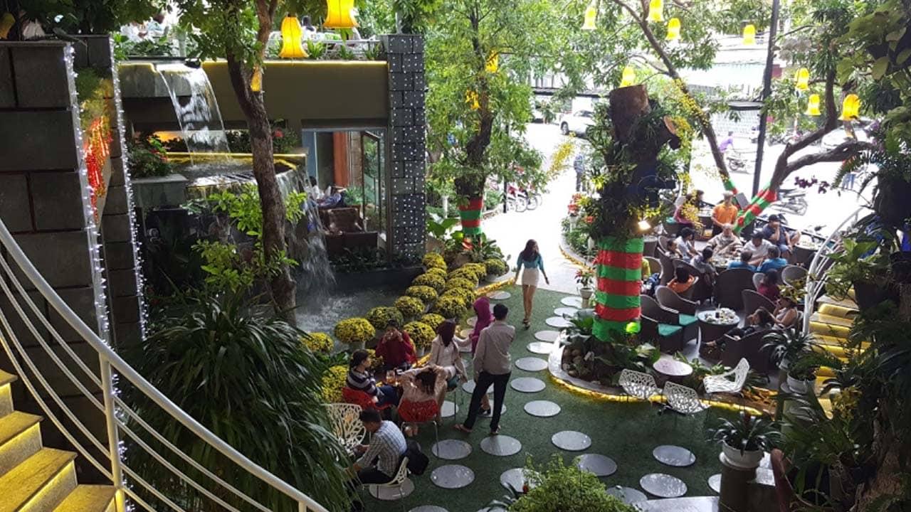 Cafe sân vườn: Galaxy Plus