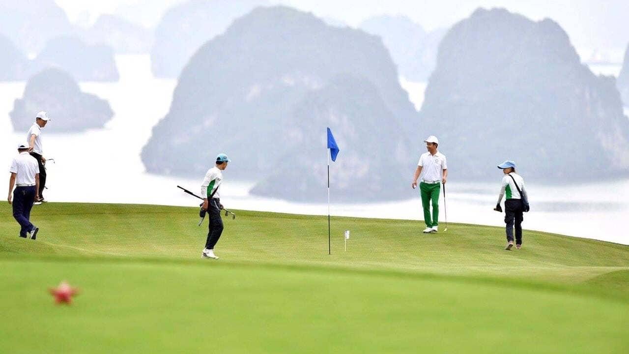 Các golf thủ chơi trên sân. Nguồn: Internet