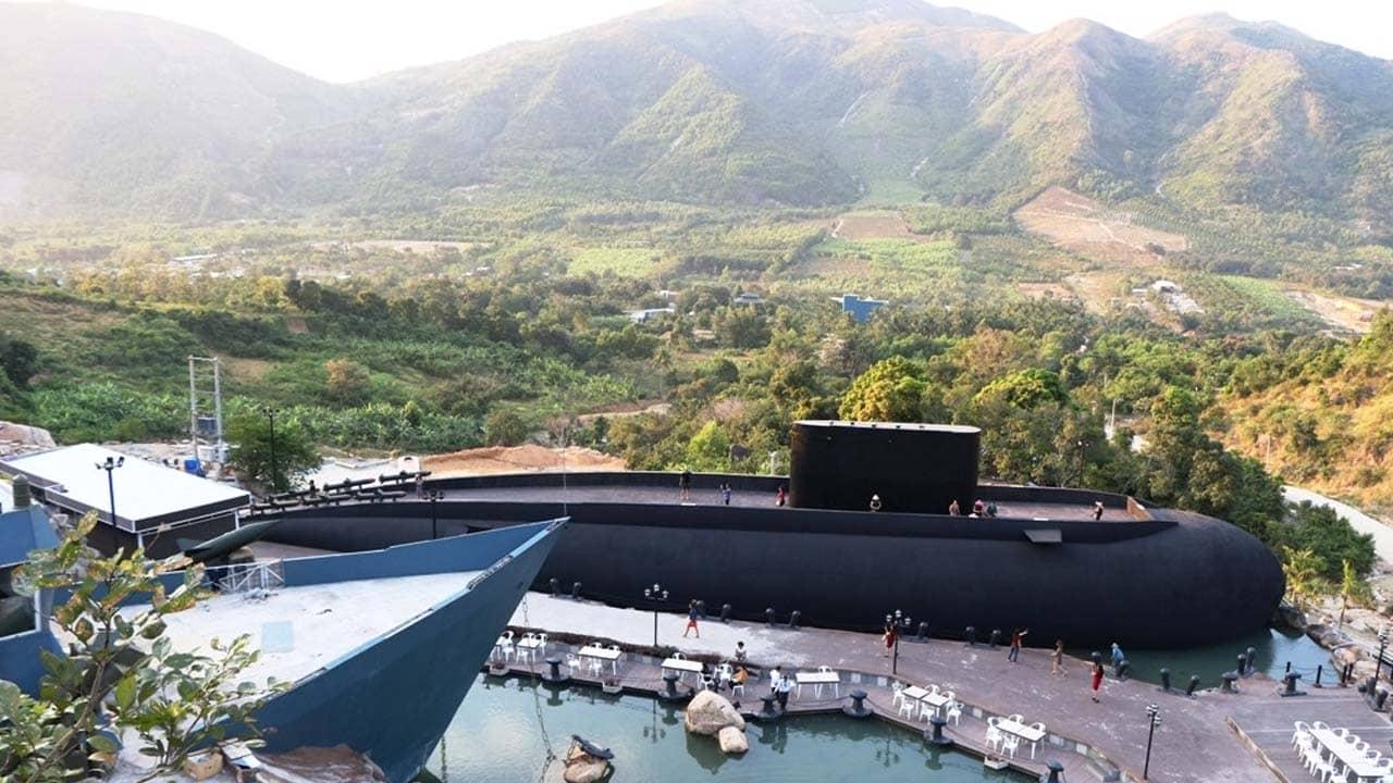 Mô hình tàu ngầm Kilo của Hải quân Việt Nam được đặt tại thành phố Nha Trang (Khánh Hòa). Nguồn: Internet