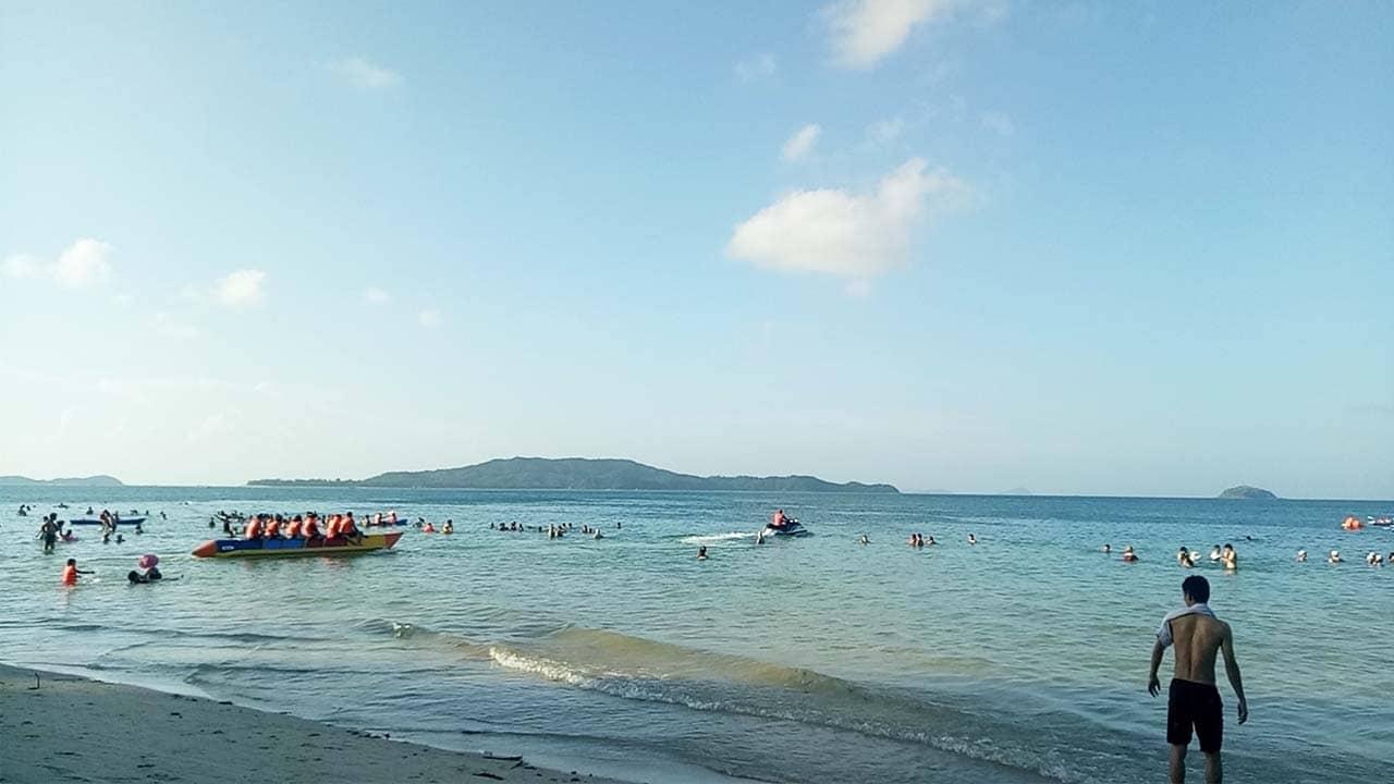Bãi biển Vàn Chảy là nơi có cảnh đẹp và nhiều hoạt động vui chơi du khách nên ghé thăm khi đi du lịch Cô Tô. Nguồn: Internet