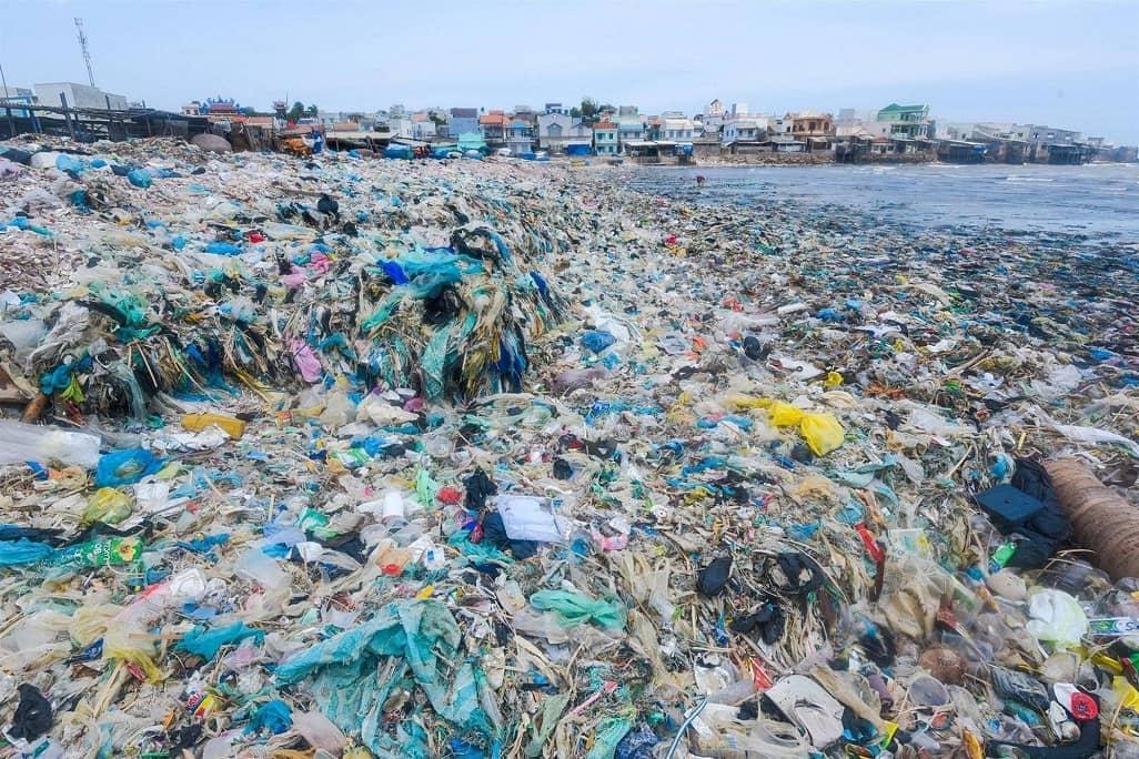 1 góc thành phố biển Phan Thiết trước khi được dọn sạch rác