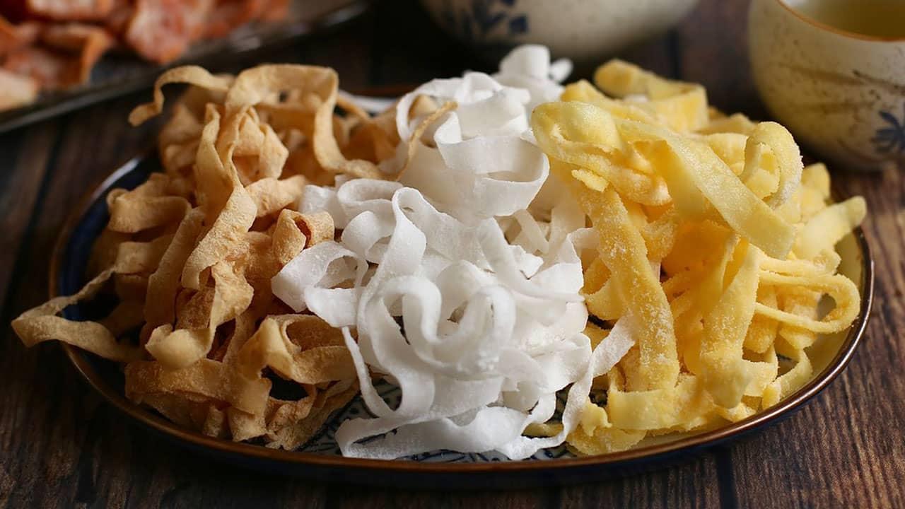 Đến Bến Tre, mứt dừa là đặc sản làm quà không thể thiếu bởi hương vị đặc trưng của xứ dừa.