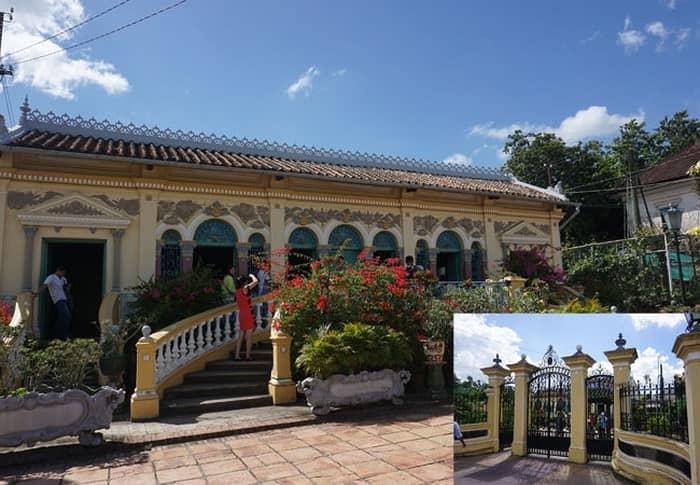 Cổng vào và mặt tiền ngôi nhà