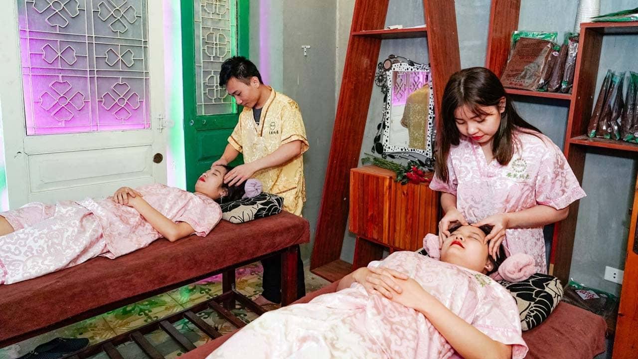 Dịch vụ massage và spa làm mặt tại Koi Cafe Spa. Nguồn: Internet