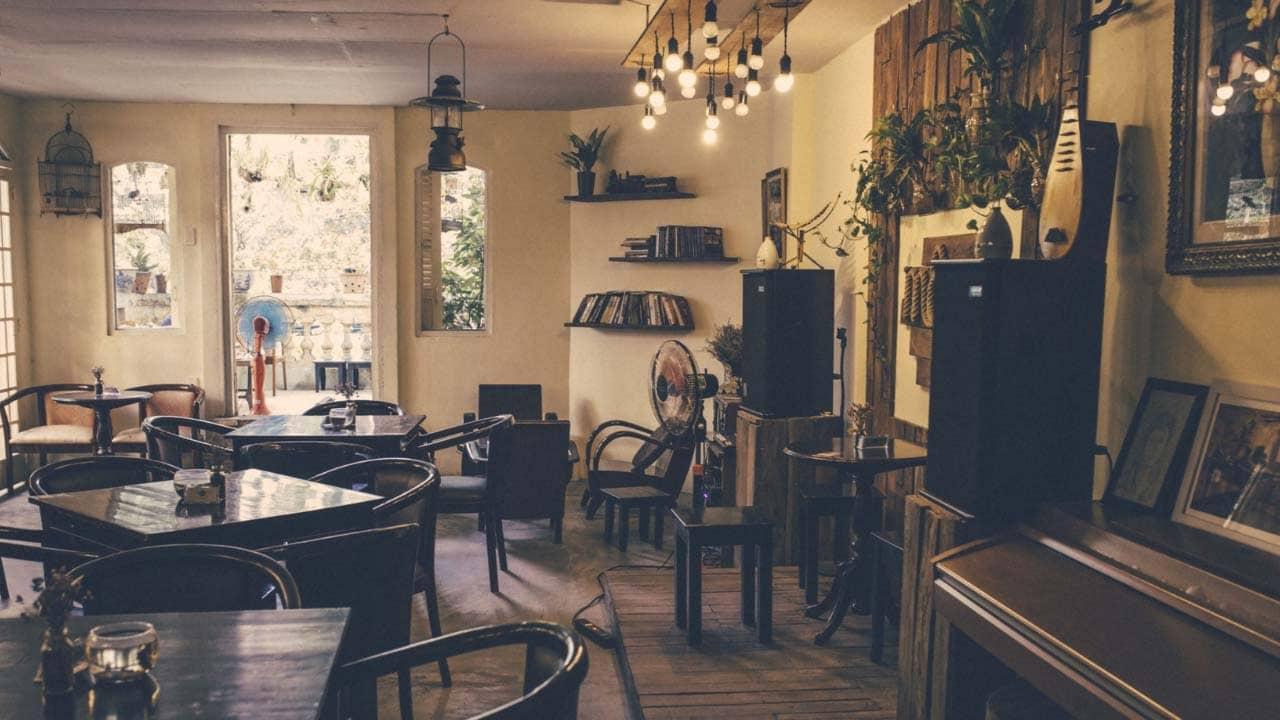 Không gian tại Mộc cafe giản dị, quen thuộc
