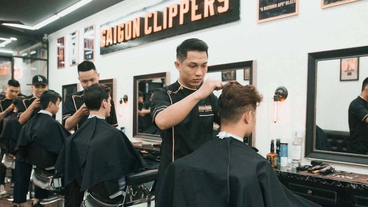 """Saigon Clippers Barbershop tiệm cắt tóc dành cho các """"quý ông"""""""