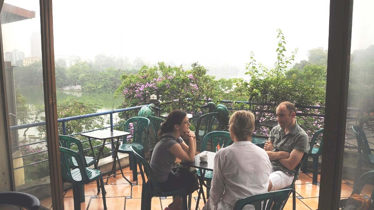 Vườn Phố Cổ là quán cafe view đẹp Hà Nội có tầm nhìn ra hồ Gươm. Nguồn: Internet