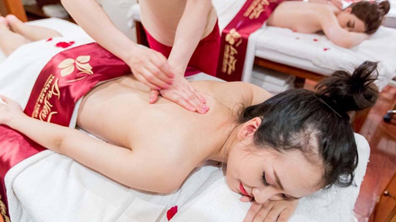 Giảm mệt mỏi, thư giãn toàn thân với phương pháp xông hơi kết hợp massage body. Nguồn: Internet