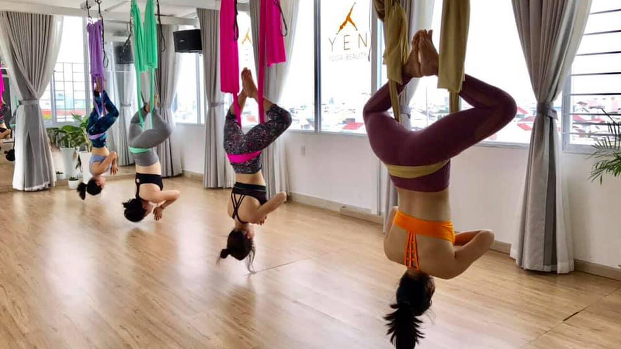 Aerial Yoga - Yoga Võng được nhiều khách du lịch ưa thích